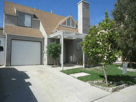 6265 Heatherwood Dr, Riverside, CA 92509