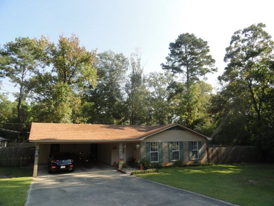 1113 Valley Dr, Laurel, MS 39440