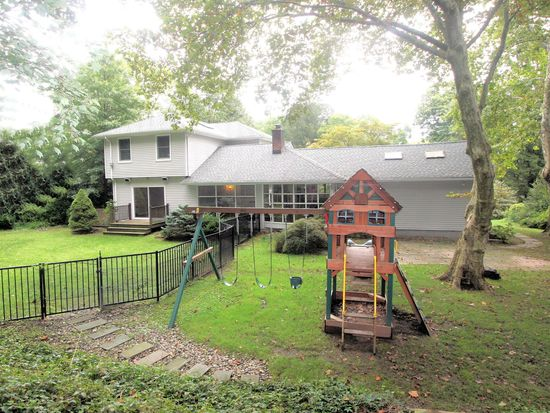 25 Oak Trail Rd, Hillsdale, NJ 07642