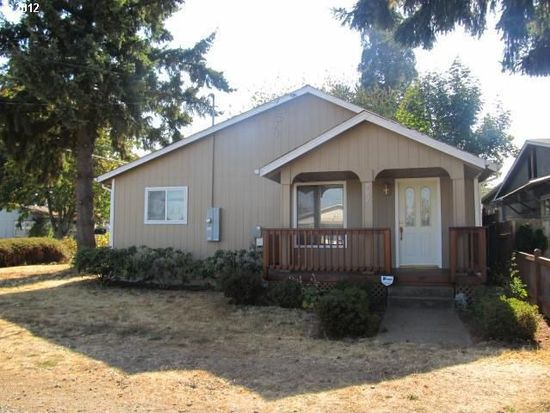 202 W 3rd St, Molalla, OR 97038