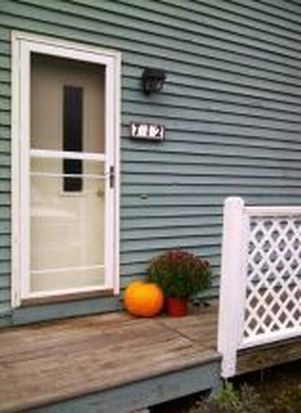 712 Piscassic St, Newmarket, NH 03857