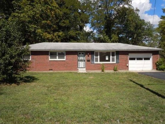 900 Lakeview Dr, Scottsburg, IN 47170