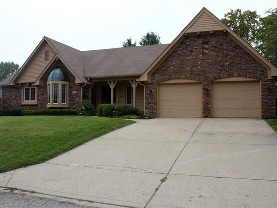 3170 Greensview Dr, Greenwood, IN 46143