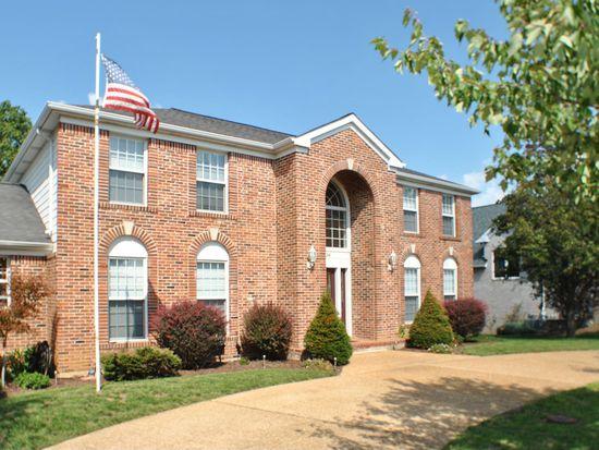 5136 Country Club Dr, High Ridge, MO 63049