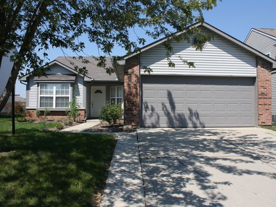 19317 Fox Chase Dr, Noblesville, IN 46062