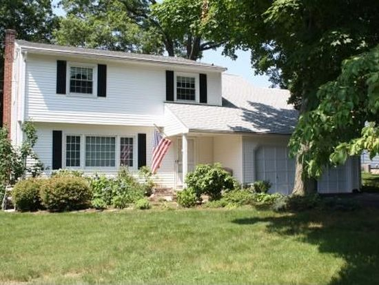 37 Purdy Rd E, Norwalk, CT 06850