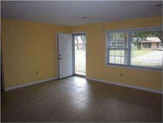 6414 Barnes St, Milton, FL 32570