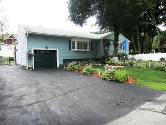 415 Wentworth Ave, Lowell, MA 01852