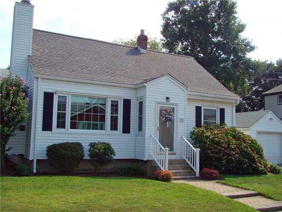 155 Evarts St, Newport, RI 02840