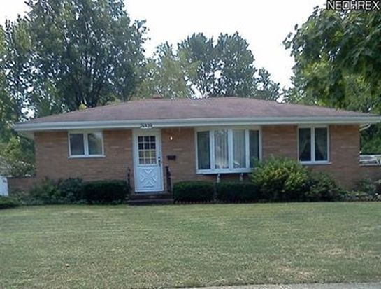 26939 Eastwood Ln, Olmsted Twp, OH 44138