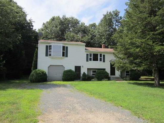 55 Highview Ave, Hope Valley, RI 02832