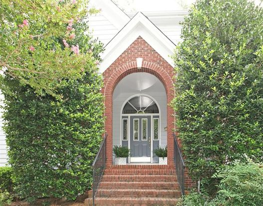 101 Roebling Ln, Cary, NC 27513