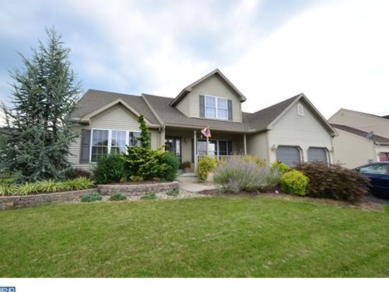 111 E Clearview Dr, Sinking Spring, PA 19608