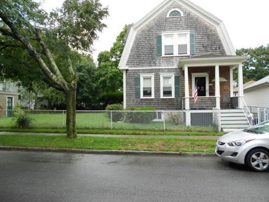 29 Sowle St, New Bedford, MA 02745