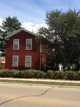 218 Indiana St, St Charles, IL 60174