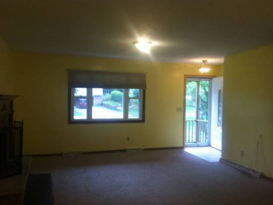 4670 Milford Dr, Perry, OH 44081