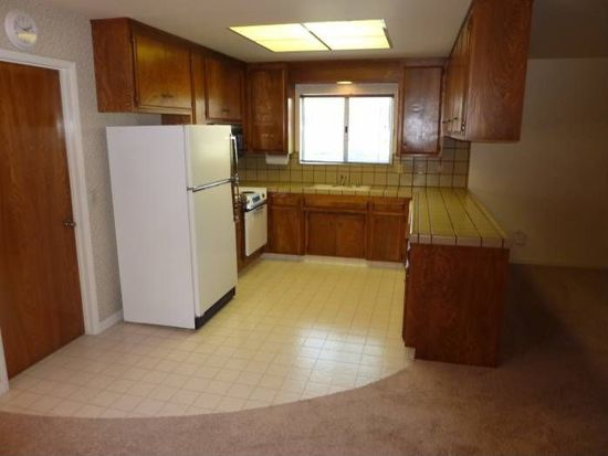 1014 Sycamore Ln, Woodland, CA 95695