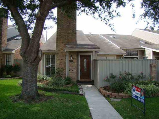 1076 Sunmeadow Dr, Beaumont, TX 77706