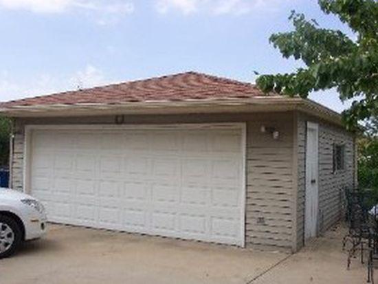 1562 W Holtz Ave, Addison, IL 60101