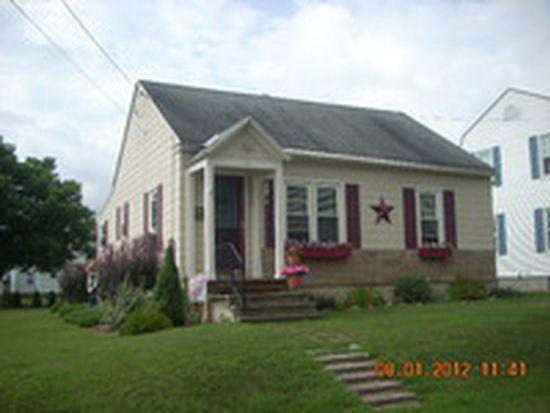 10 Grant St, Adams, MA 01220