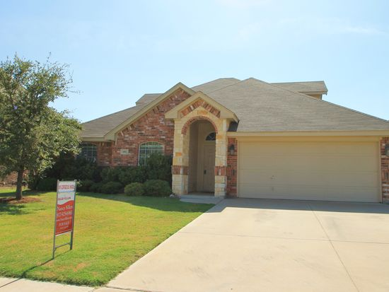 1007 Fox Willow Ct, Burleson, TX 76028