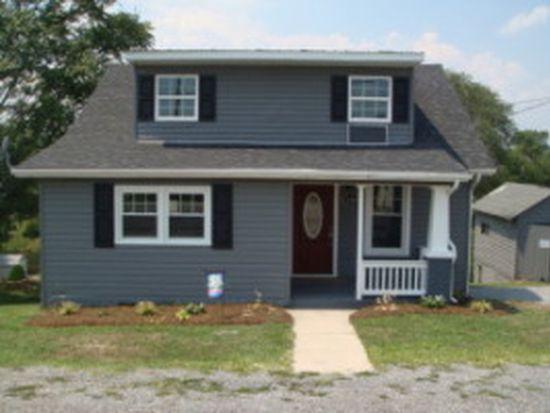 2304 Moir St NE, Roanoke, VA 24012