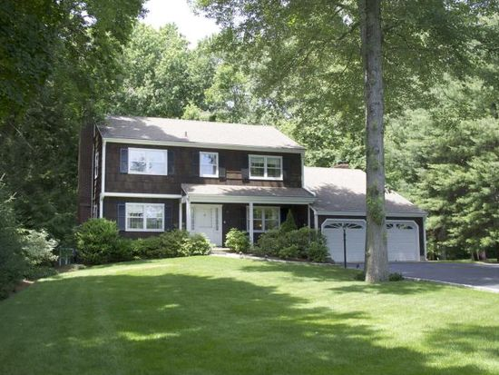 14 Shadbush Ln, Darien, CT 06820