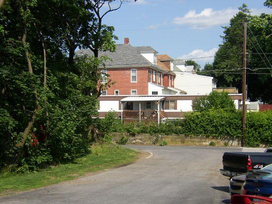 13 N Queen St, Shippensburg, PA 17257