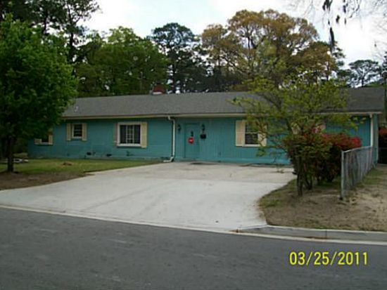 2208 N Fernwood Dr, Savannah, GA 31404