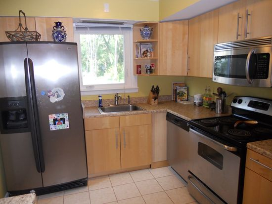 697 Springdell Rd, King Of Prussia, PA 19406