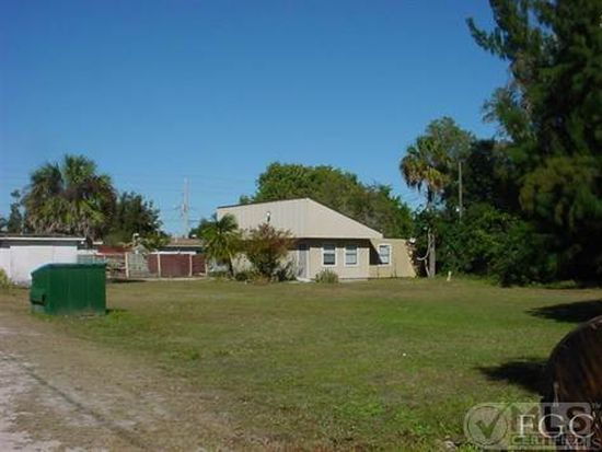2226-2228 Moreno Ave, Fort Myers, FL 33901