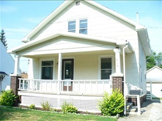 215 S Lakeview Ave, Sturgis, MI 49091