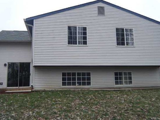 5943 Buck Rill Dr, Indianapolis, IN 46237