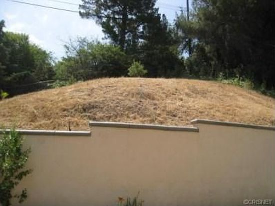 22108 Califa St, Woodland Hills, CA 91367
