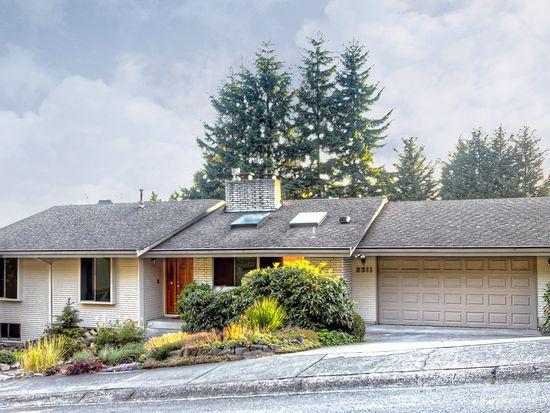 2211 137th Pl SE, Bellevue, WA 98005