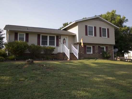 24 Chatwood Ct, Simpsonville, SC 29680