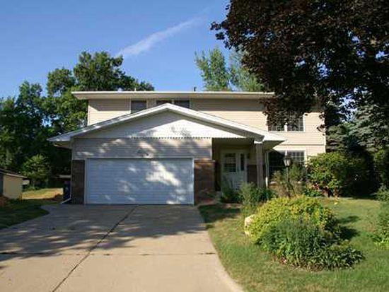 3909 Knollcrest Ct NE, Cedar Rapids, IA 52402