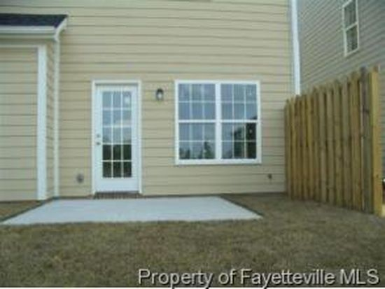 3075 Candlelight Dr, Fayetteville, NC 28311
