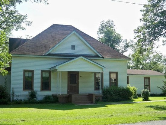54 5th St, Midland City, AL 36350