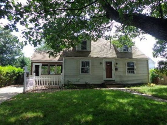 82 Massachusetts Ave, Warwick, RI 02888