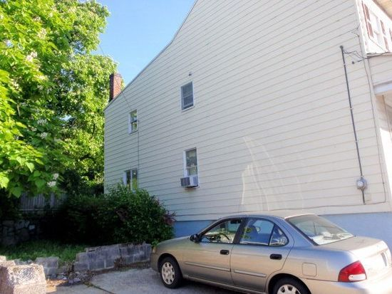 132 E Bacon St, Pottsville, PA 17901
