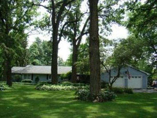 381 W Woodstock St, Crystal Lake, IL 60014