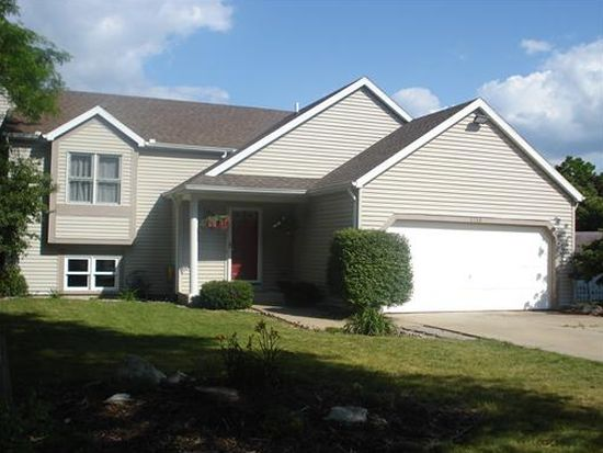 1710 Fawn Ct, South Bend, IN 46628