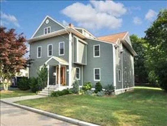 15 Brookfield Rd, Riverside, RI 02915
