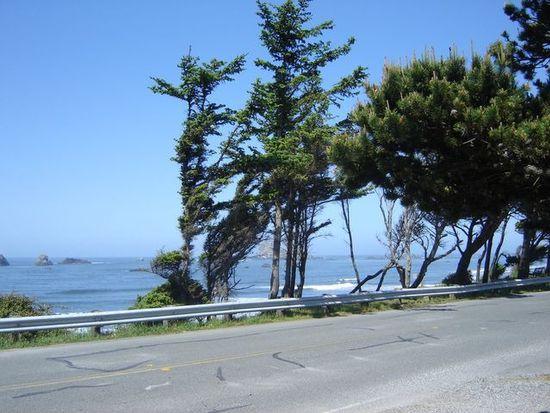 384 N Pebble Beach Dr, Crescent City, CA 95531