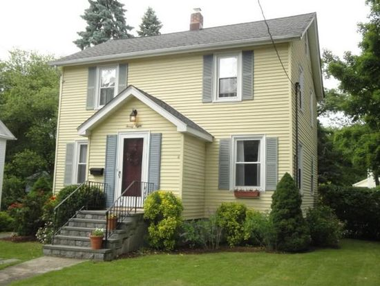 28 Cottage St, Trumbull, CT 06611