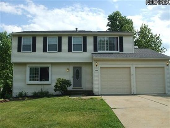 2906 Duquesne Dr, Stow, OH 44224