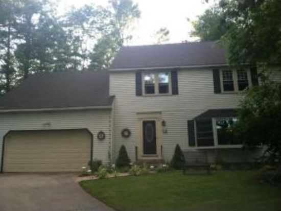 12 King Phillip Dr, Londonderry, NH 03053