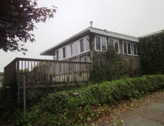 298 Newhall St, Fall River, MA 02721