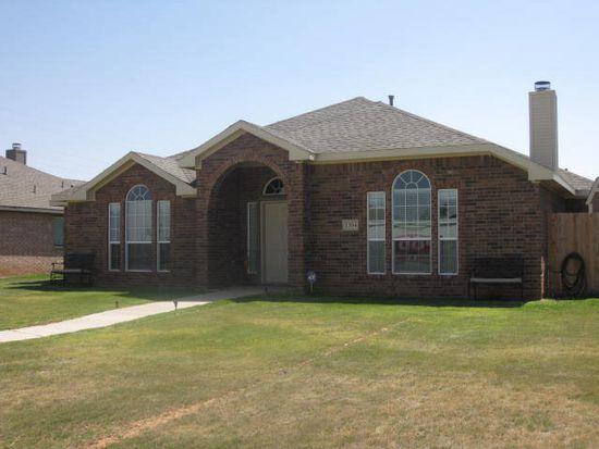 1304 Nottingham Ave, Wolfforth, TX 79382